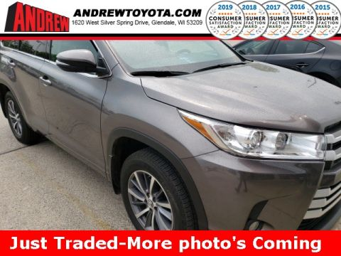 Stock #: 37993A  2017 Toyota Highlander XLE 4D Sport Utility in Milwaukee, Wisconsin 53209