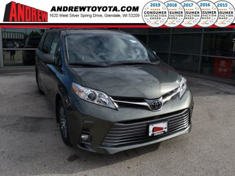 Stock #: 36917 Green 2019 Toyota Sienna XLE 4D Passenger Van in Milwaukee, Wisconsin 53209