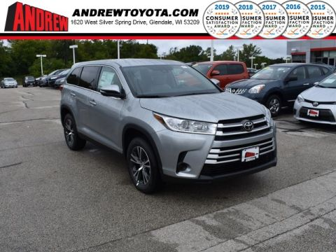 Stock #: 38683 Celestial Silver Metallic 2019 Toyota Highlander LE 4D Sport Utility in Milwaukee, Wisconsin 53209
