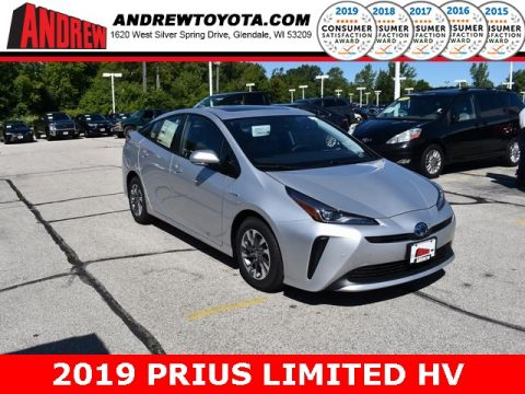 Stock #: 38501 Silver 2019 Toyota Prius Limited 5D Hatchback in Milwaukee, Wisconsin 53209