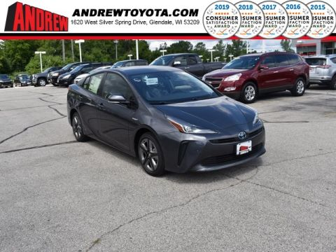 Stock #: 38403 Magnetic Gray Metallic 2019 Toyota Prius XLE 5D Hatchback in Milwaukee, Wisconsin 53209