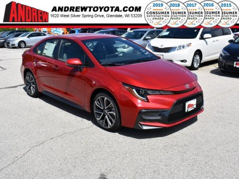 Stock #: 38132 Barcelona Red Metallic 2020 Toyota Corolla SE 4D Sedan in Milwaukee, Wisconsin 53209