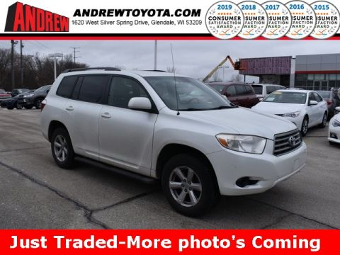 Stock #: 39015B White 2009 Toyota Highlander Base 4D Sport Utility in Milwaukee, Wisconsin 53209