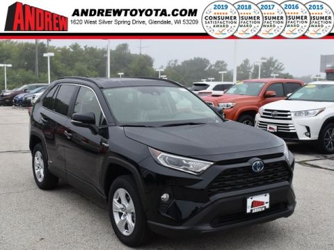 Stock #: 38623 Black 2019 Toyota RAV4 Hybrid XLE 4D Sport Utility in Milwaukee, Wisconsin 53209