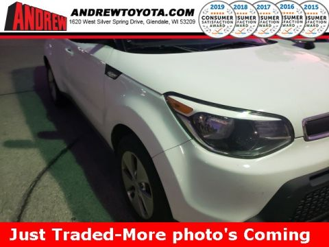 Stock #: 38622B White 2014 Kia Soul Base 4D Hatchback in Milwaukee, Wisconsin 53209